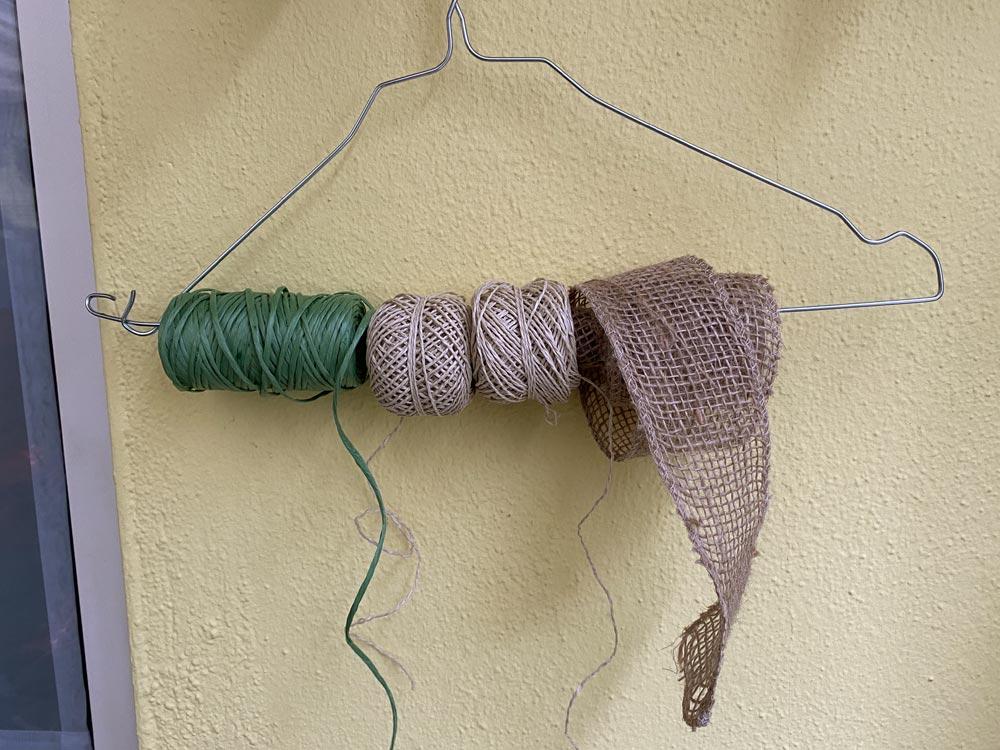 Schnur-Knäuel und Wolle praktisch und ohne Knoten aufbewahren und abwickeln